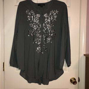 Denim 24/7 grey blouse with sequins. Size 26 w.
